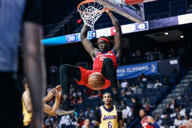 Agua Caliente Clippers forward Johnathan Motley completes a dunk against the South Bay Lakers