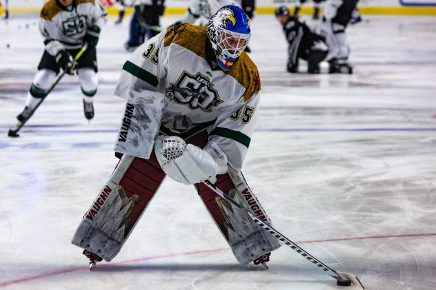 Utah Grizzlies goaltender Hunter Miska