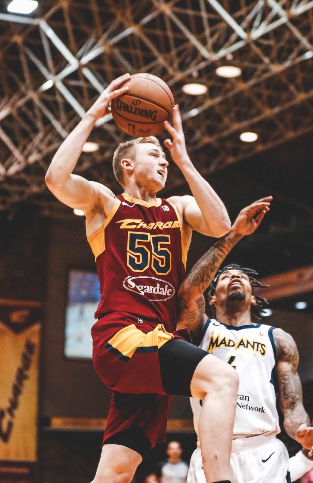 Canton Charge guard J.P. Macura vs. the Fort Wayne Mad Ants
