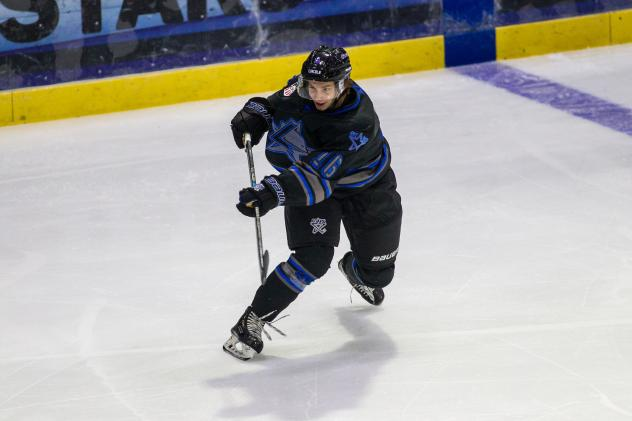 Defenseman Caleb Price with the Lincoln Stars