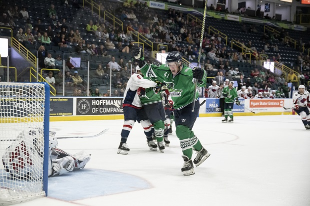 Florida Everblades forward Blake Winiecki reacts after his goal against the Indy Fuel