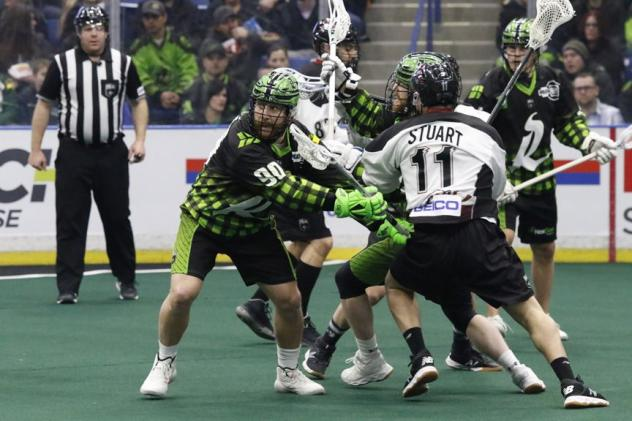 Saskatchewan Rush battle the Colorado Mammoth