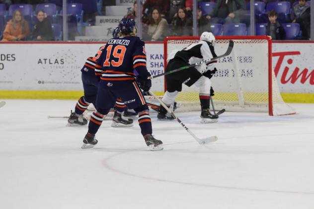 Vancouver Giants centre Eric Florchuk Scores the game-winner against the Kamloops Blazers