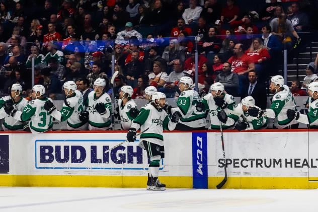 Texas Stars bench gives congratulations vs. the Grand Rapids Griffins
