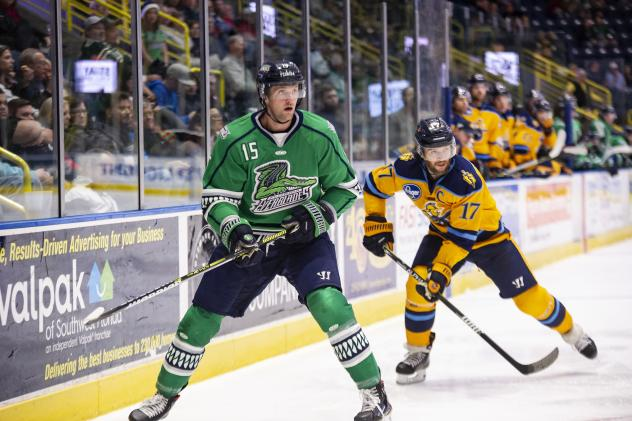 Florida Everblades forward Cam Maclise vs. the Atlanta Gladiators