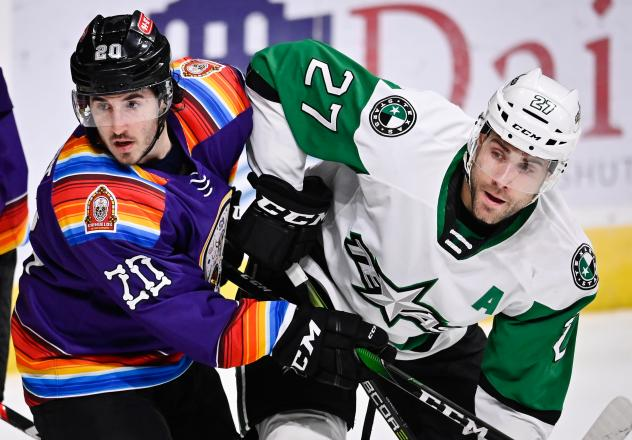Mike Vecchione of Los Chimuelos de San Antonio and Michael Mersch of the Texas Stars