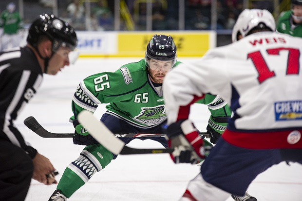 Florida Everblades center Hunter Garlent ready for the faceoff