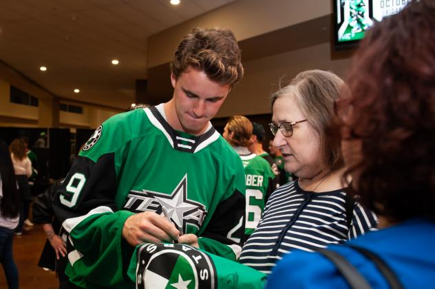 Jake Oettinger of the Texas Stars