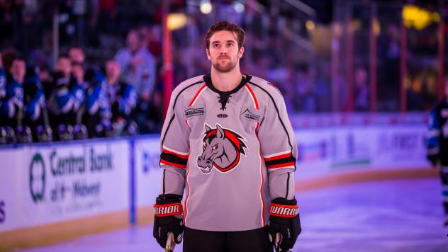 Kansas City Mavericks defenseman Derek Pratt