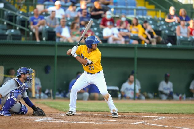 Damek Tomscha at bat for the Sioux Falls Canaries