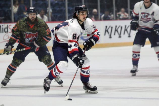 Forward Matthew Barnaby with the Evansville Thunderbolts