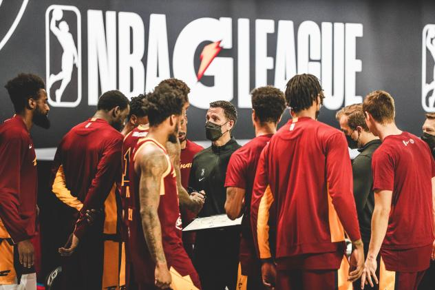 Canton Charge huddle up