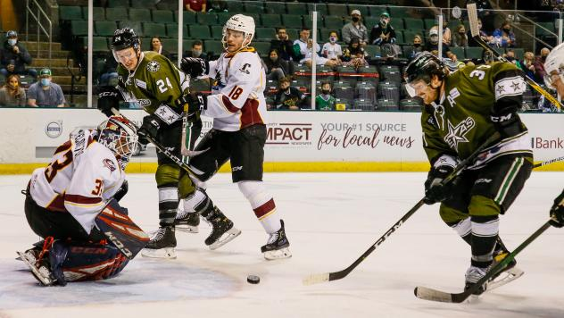Texas Stars test the Cleveland Monsters defense