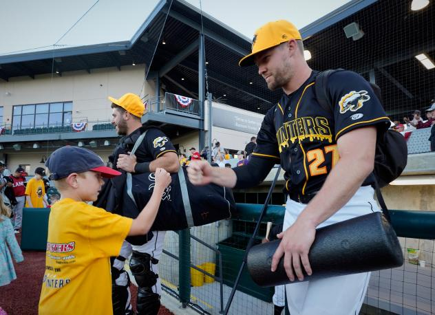 Gastonia Honey Hunters meet some young fans