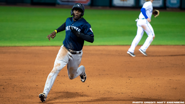Michael Beltre of the Somerset Patriots rounds the bases