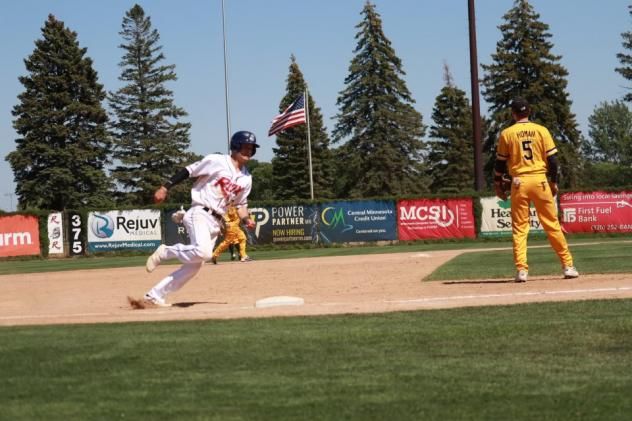 Connor O'Brien of the St. Cloud Rox rounds the bases
