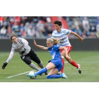 Kristie Mewis of the Boston Breakers vs. the Chicago Red Stars