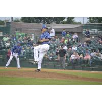 Sioux Falls Canaries Pitcher Jeremy Strawn