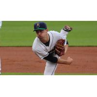 Cedar Rapids Kernels Pitcher Sam Gibbons