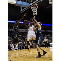 London Lightning go Strong to the Hoop vs. the Niagara River Lions