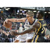 Niagara River Lions Drive against the London Lightning
