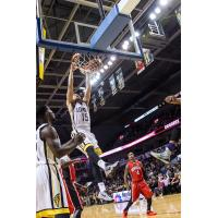 London Lightning Guard Garrett Williamson Dunks vs. the Windsor Express