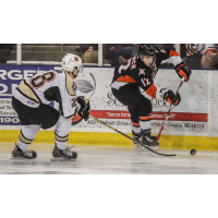 Omaha Lancers Control the Puck vs. the Muskegon Lumberjacks
