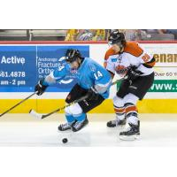 Alaska Aces C Stephen Perfetto Handles the Pick vs. the Fort Wayne Komets