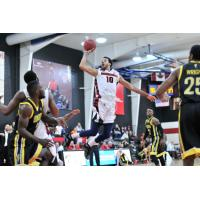 Dominic Cheek of the Orangeville A's vs. the London Lightning