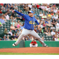 Sioux Falls Canaries Pitcher Misael Siverio