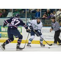 'Blades Edge Stingrays 2-1 to Win Fifth Straight