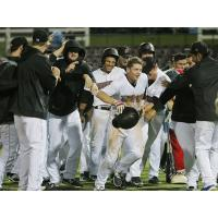 1st Place 66ers Win Fourth in a Row