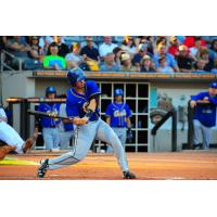Canaries Late Rally Falls Just Short against Goldeyes