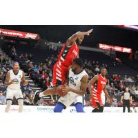 Hurricanes De Fend Home Court with Convincing Win over Windsor Express