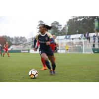 Crystal Dunn of the North Carolina Courage vs. the Portland Thorns