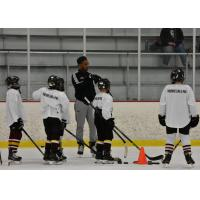 Scooter Vaughan of the Chicago Wolves instructs at Kids For Camps