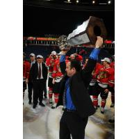 Matt Bardsley hoists the Memorial Cup with the Portland Winterhawks