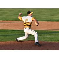 Willmar Stingers pitcher Noah Fluman