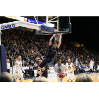 Derek Hall dunks for the KW Titans vs. the St. John's Edge