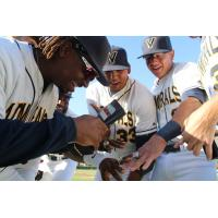 Vallejo Admirals Game Notesshow off their rings