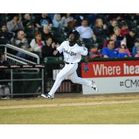 Jonathan Davis of the New Hampshire Fisher Cats rounds third