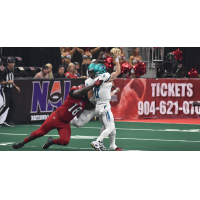 Jacksonville Sharks defensive lineman Keith Bowers pressures the QB