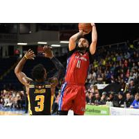 Cape Breton Highlanders guard Aaron Redpath takes a shot against the London Lightning