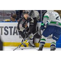 Yannik Valenti of the Vancouver Giants eyes the Seattle Thunderbirds defense