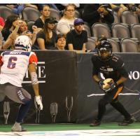 Dezmon Epps of the Arizona Rattlers (right) vs. the Sioux Falls Storm