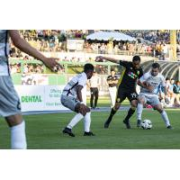 Sacramento Republic FC surround New Mexico United