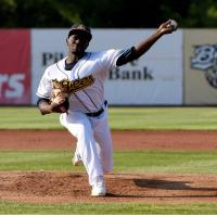 Burlington Bees pitcher Hector Yan