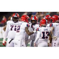 Washington Valor quarterback Arvell Nelson addresses his offense