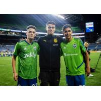 Alfonso Ocampo-Chavez (left) and Danny Leyva (right) of Seattle Sounders FC with fellow U.S. U-17 MNT call-up Gio Reyna