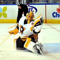 Wilkes-Barre/Scranton Penguins goaltender Casey DeSmith makes a glove save